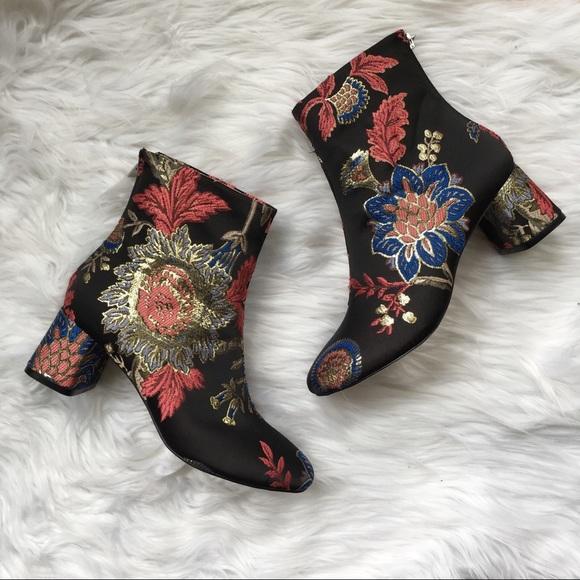 6994e9d1644 *Zara High Heel Jacquard Ankle Boot Size 5 NWT